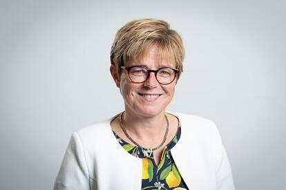 Dr. M.W.M. (Miranda) de Vries